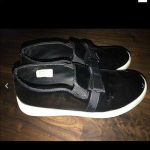 Michael Kors Ivy Patent Bow Slip On Sneaker Shoe 3